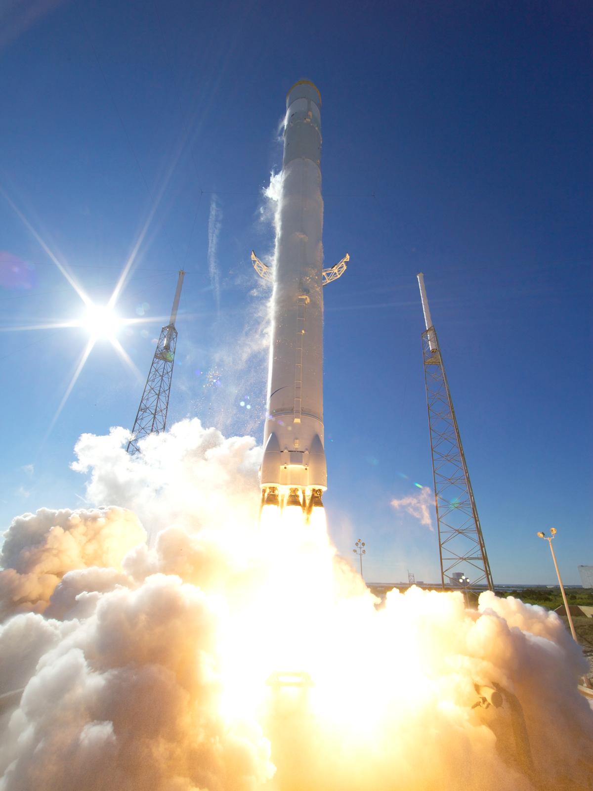 LIVESTREAM!  SpaceX: een vloek of een zegen?